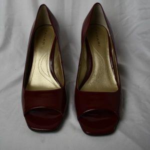 Tahari Riddle Womens Patent Heels